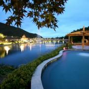 vivaldi-ocean-world-night-swimming-pool-nice-view