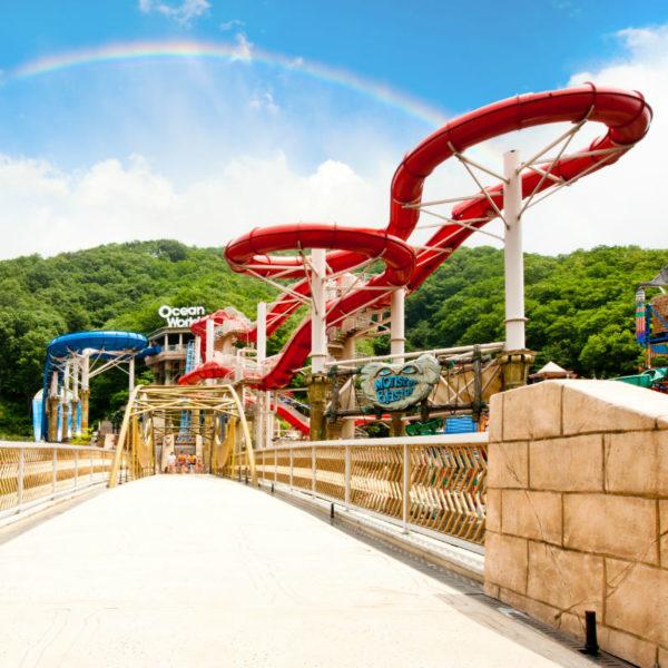 vivaldi-ocean-world-tall-slides-waterpark-entrance