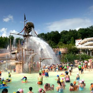 Caribbean-bay-splash-pools