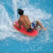 Caribbean-bay-surfing-wave-pool