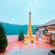 Petite-France-Le-petite-prince-eiffel-tower-view