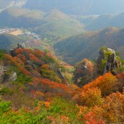 daesunsan-mountain-bridge-fall-foliage-from-up-the-top