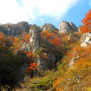 daesunsan-mountain-bridge-fall-foliage-hiking-up-view