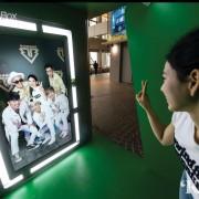 k-live-seoul-star-photo-box-hologram-show-live-concert