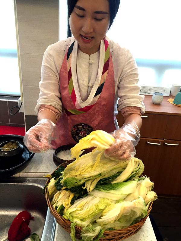 kimchi-making-03