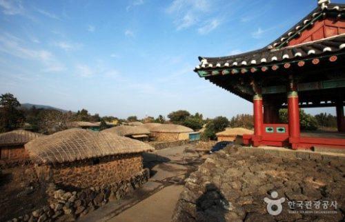 03-jeju-east-seongup-folk-village
