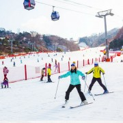 ski-tour-package-korea-family-ski-lesson-good-beginner