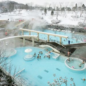 Termeden-spa-sauna-pool-korea-hot-spring-jacuzzi-outdoor-winter