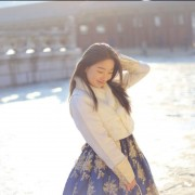 Hanbok-rental-insadong-Seoul-garden-theme-hanbok-outdoor