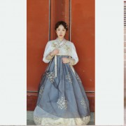 Hanbok-rental-insadong-Seoul-rental-hanbok-traditional-hanbok-full-body