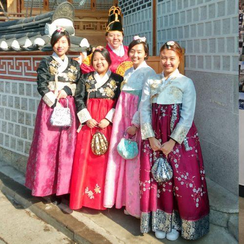 Hanbok-rental-insadong-Seoul-rental-shop-happy-customers-bukchon-hanok-village