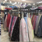 Hanbok-rental-insadong-Seoul-rental-shop-many-hanbok-selection