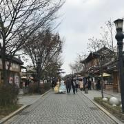 jeonju-hanok-village-main-street-hanbok