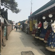 jeonju-hanok-village-side-street-rent-hanbok