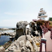 Gangneung-adeulbawi-rock-park-rock-lighthouse