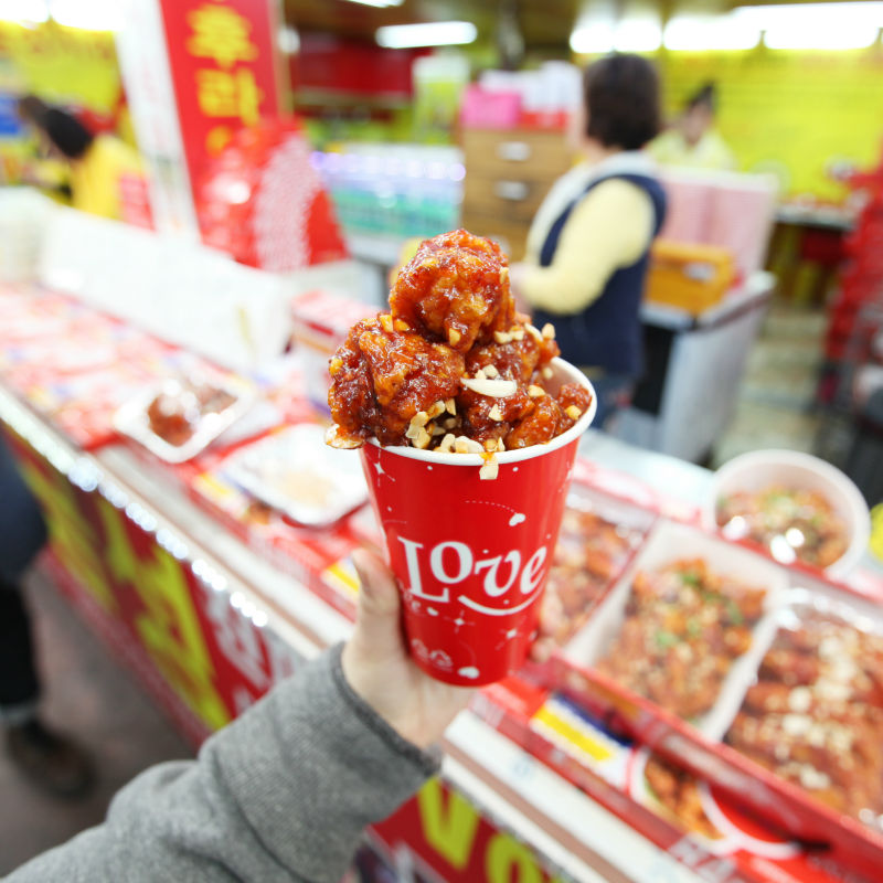 Gangneung-jungang-market-food-fried-chicken