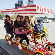Gangneung-Gyeongpo-lake-4-people-bike