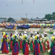 Korea-Gangneung-danoje-river-dance