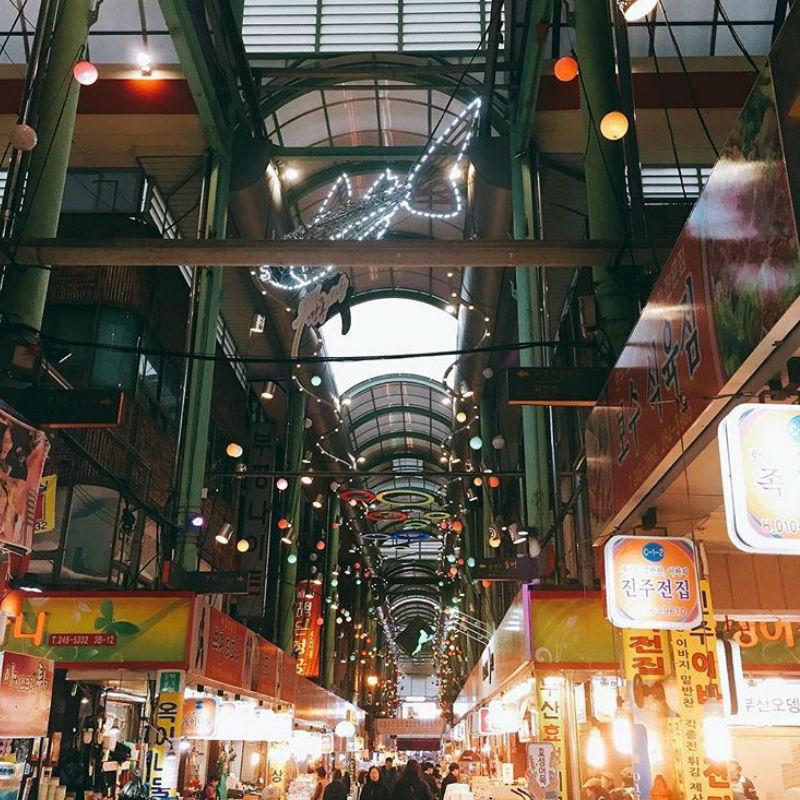 Busan-Gukje-market-inside