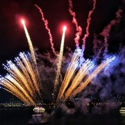 Hangang_River Buffet_Cruise_Fireworks