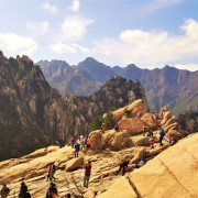 Seoraksan Fall Foliage Tour with Cable Car and Lunch