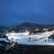 korea-ski-yongpyong-resort-night-ski-panorama