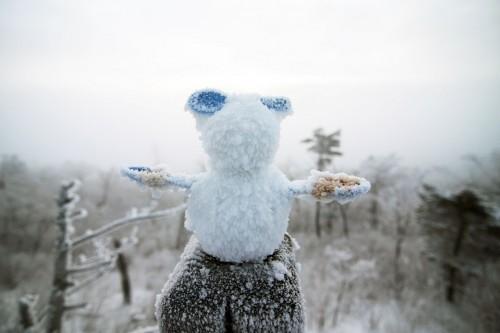 korea-ski-yongpyong-resort-snowman-bunny-winter-wonderland