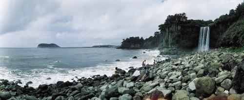 jeju-island-jeongbang-falls-waterfall