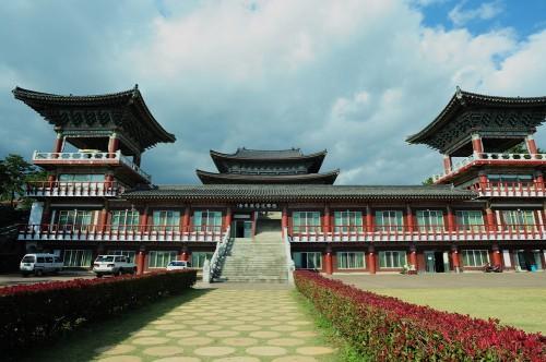 jeju-island-yakchunsa-temple