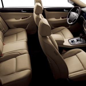 2009-Hyundai-Genesis-sedan-interior-300x300