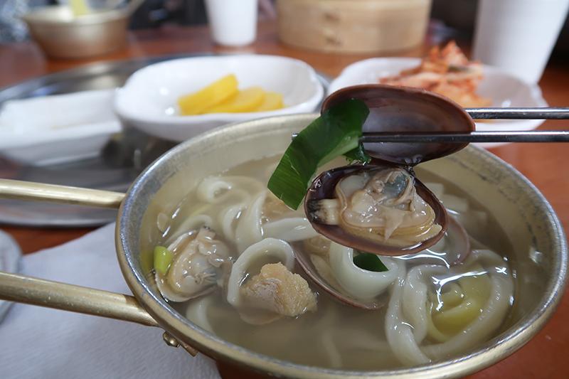 boryeong-food-shellfish-noodles-kalguksu