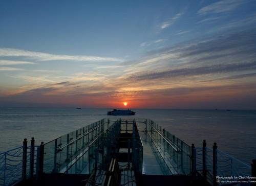 oryukdo-skywalk-sunset