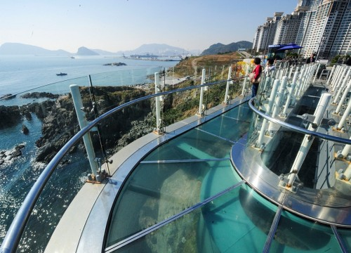 oryukdo-skywalk-transparent-glass