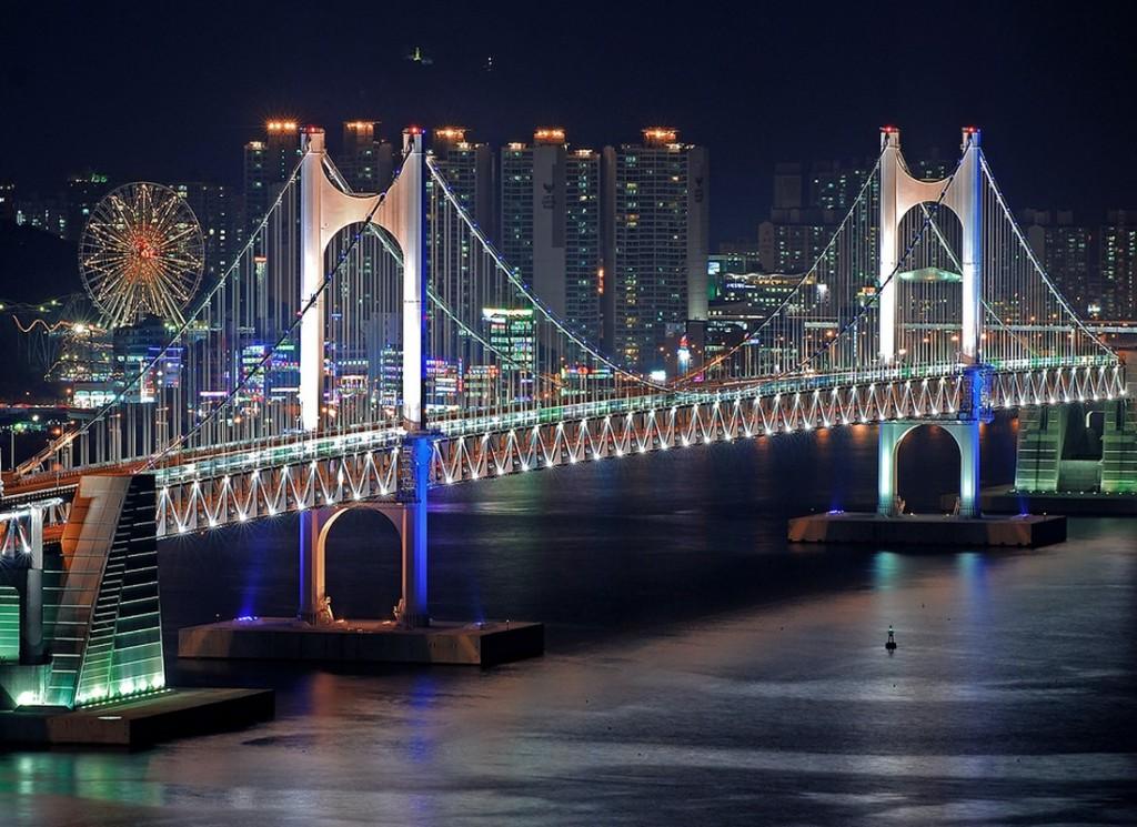 Gwangandaegyo-bridge-in-busan-beautiful-famous