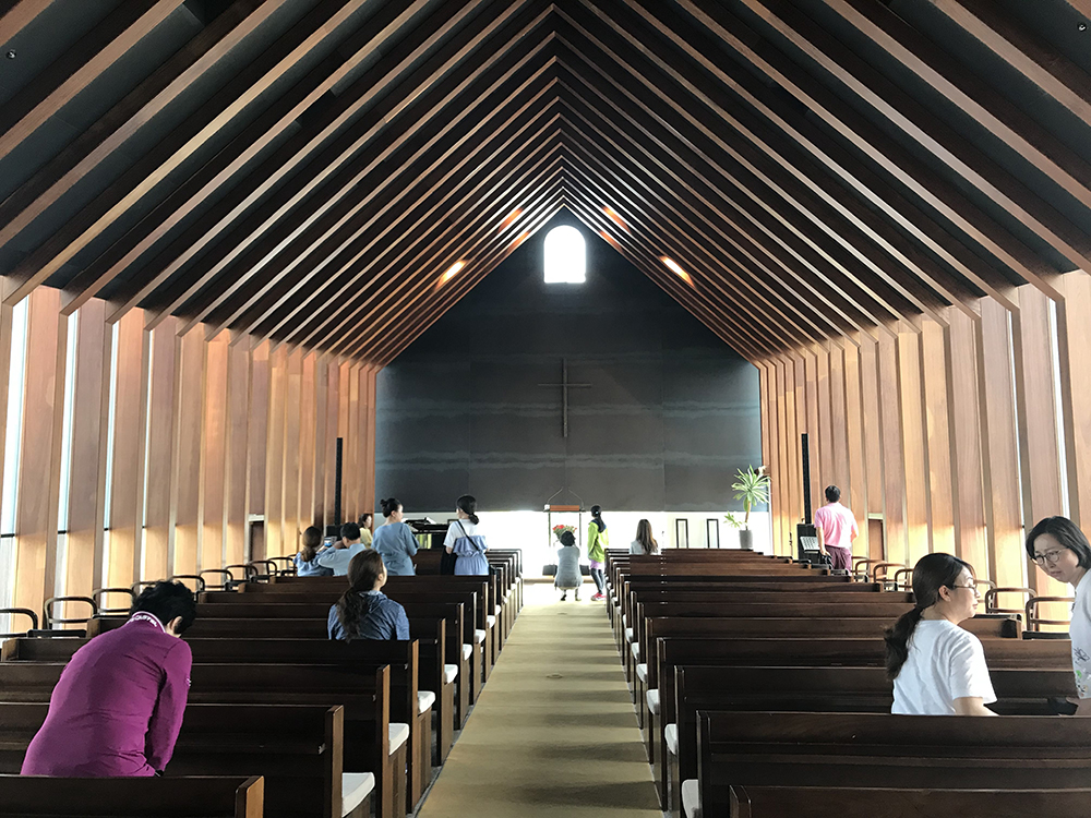 inside-bangju-church-jun-itami-jeju