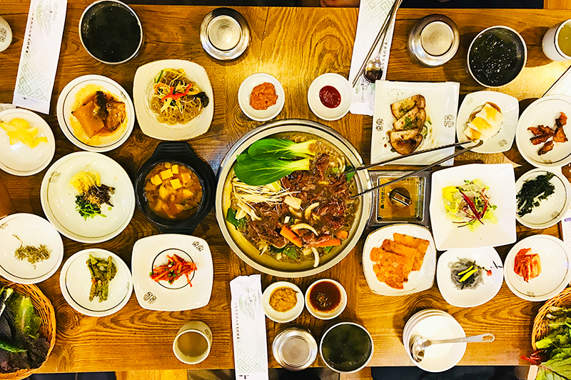 hanjeongsik-korean-food-table