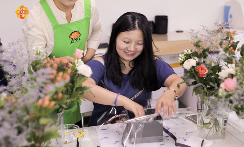 Floral Design Class In Seoul Biggest Flower Market Koreatraveleasy