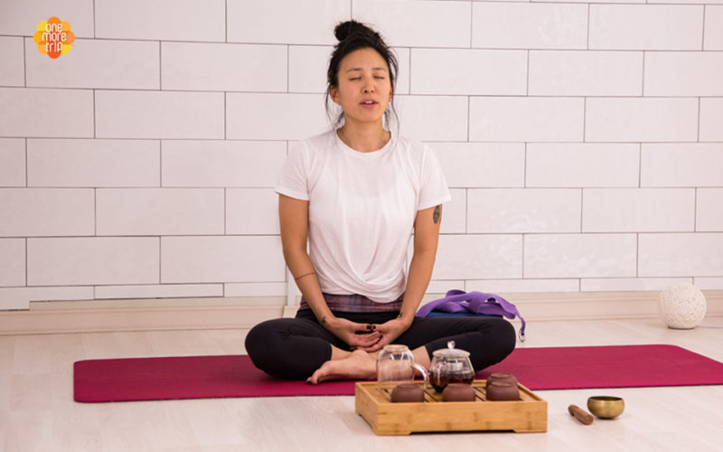 one day yoga tea tox program sitting relaxing