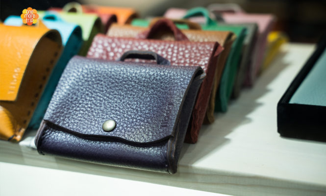 many leather wallets