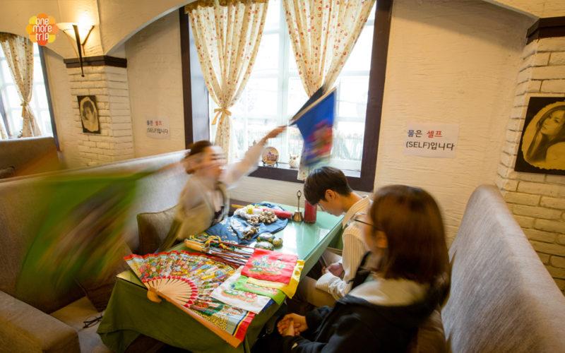 Korean fortune teller ritual