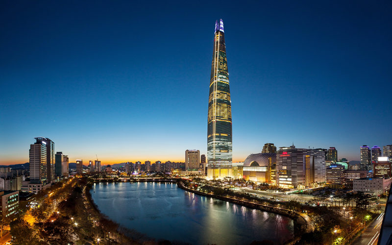 lotte tower seokcho lake night view
