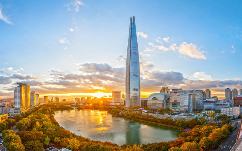 lotte tower seokcho lake sunset view
