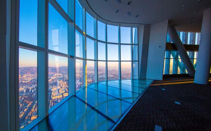 lotte tower sky deck side