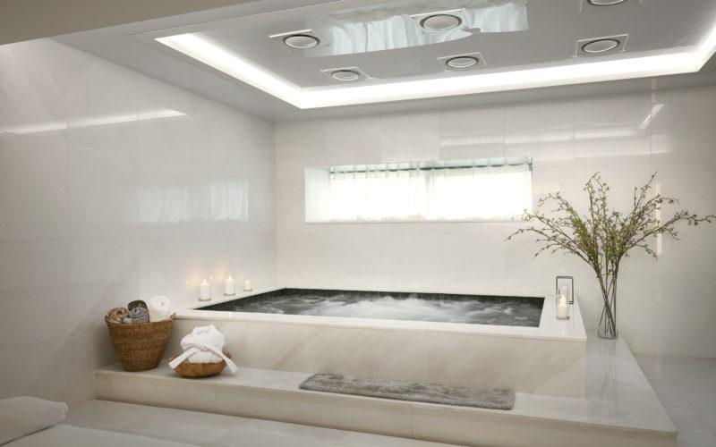 AHC bathtub massage