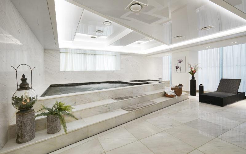 AHC spa bathroom