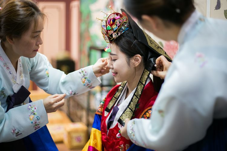 Korea Traditional Wedding Experience bride make up
