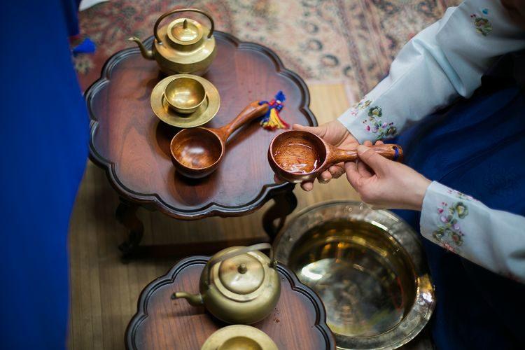 Korea Traditional Wedding Experience tea making