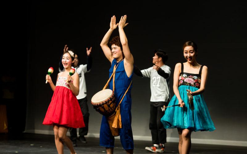 musical fantastic actors dancing