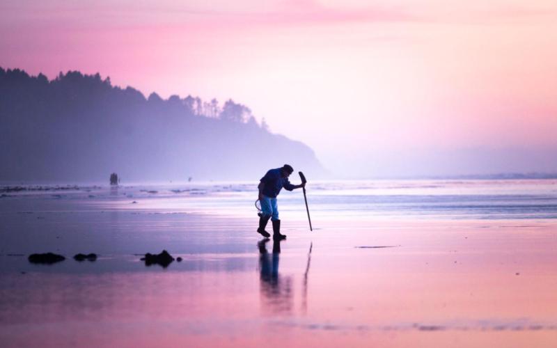 western coast mud flat clam fishing