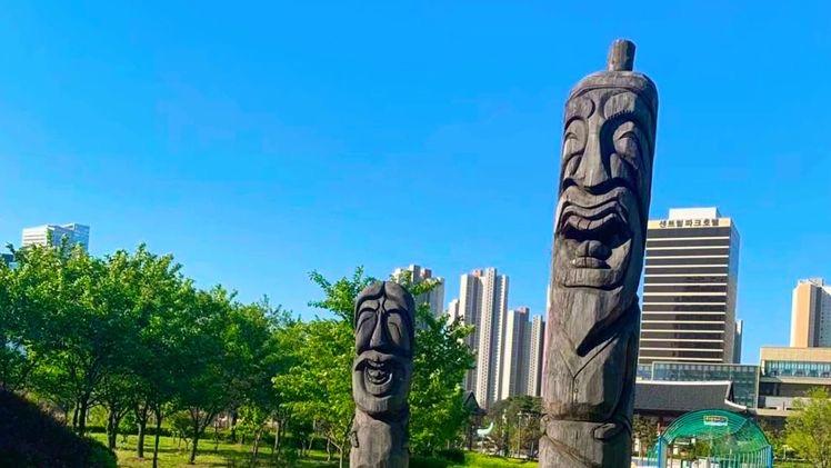 songdo central park sculpture